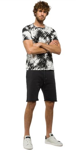Fleece bermuda shorts with printed pocket m9581 .000.21842