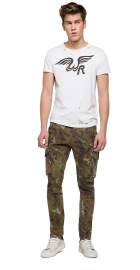 We are Replay camouflage trousers vu2690.000.v70495