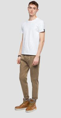 Chino trousers with pleats