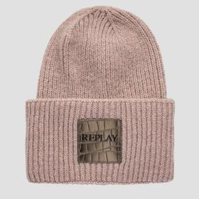 Knitted beanie with turn-up