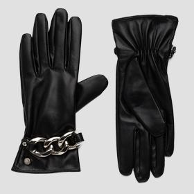 Leather gloves with chain bracelet