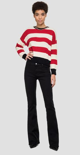 Sweater with striped chain