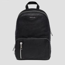 Backpack in hammered leather