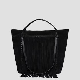Suede shoulder bag with fringes