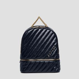 Quilted backpack with pocket