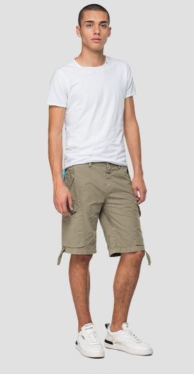 Bermuda shorts with straps and lace