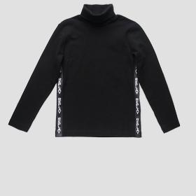Turtleneck t-shirt with writings
