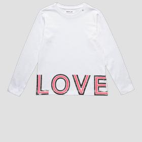 T-shirt with LOVE writing