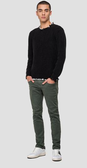 Crewneck sweater with breakages