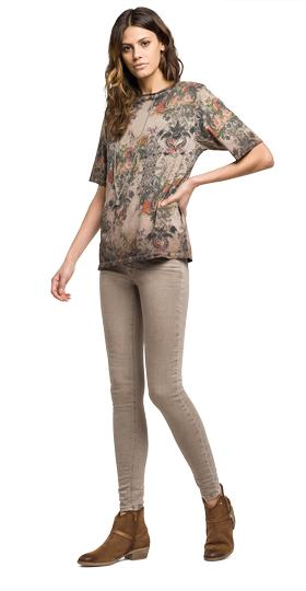 Floral T-shirt with chain w3946a.000.71396