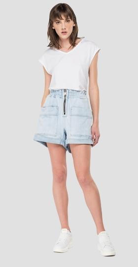 Denim shorts with zipper and pockets