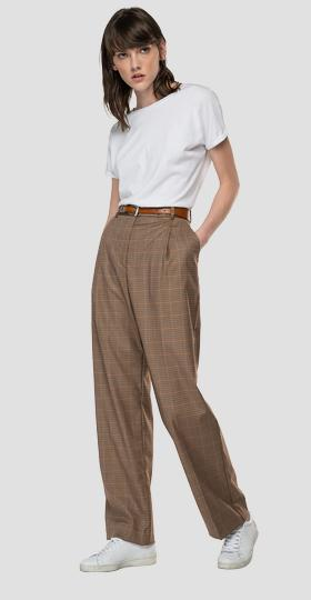 High-waisted straight fit trousers with houndstooth pattern