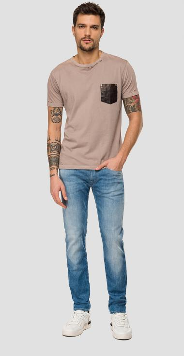 T-shirt with leather pocket - Replay M3031_000_22038G_770_1