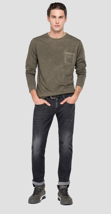 Long-sleeved t-shirt with pocket - Replay M3184_000_22326_439_1