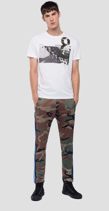 T-shirt with print and camo detailing - Replay M3733_000_2660_001_1