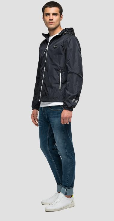 Recycled nylon jacket with hood - Replay M8045B_000_84050_098_1