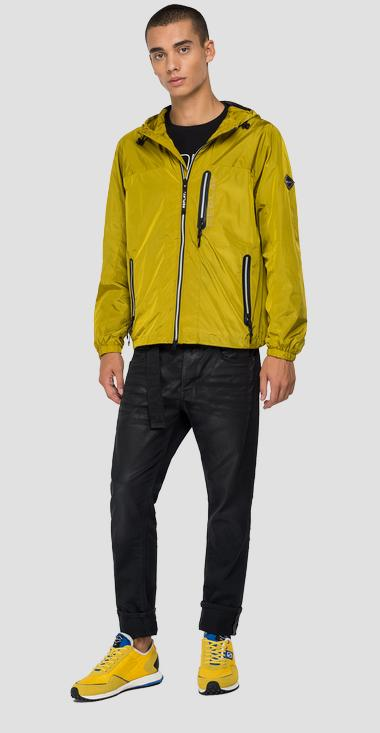 Recycled nylon jacket with hood and pockets - Replay M8136_000_84050_925_1
