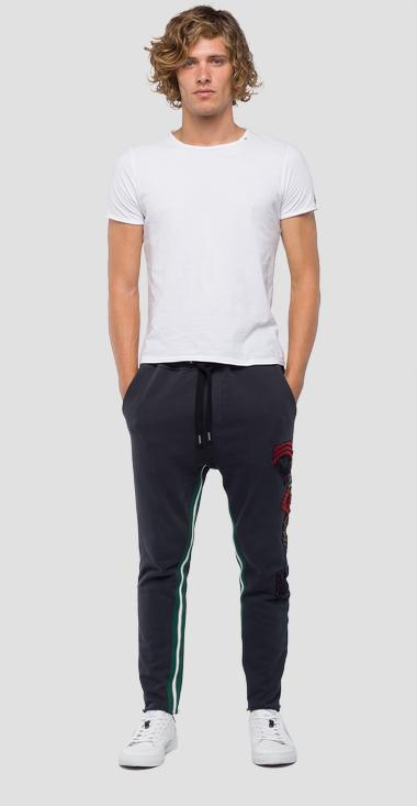 Pantalone in felpa con motivo a righe - Replay M9640A_000_22390C_098_1