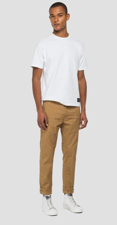 Tailoring chino trousers in cotton - Replay M9676_000_8087955_720_1