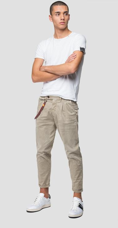 Twill chino trousers with chain - Replay M9681_000_8088335_723_1