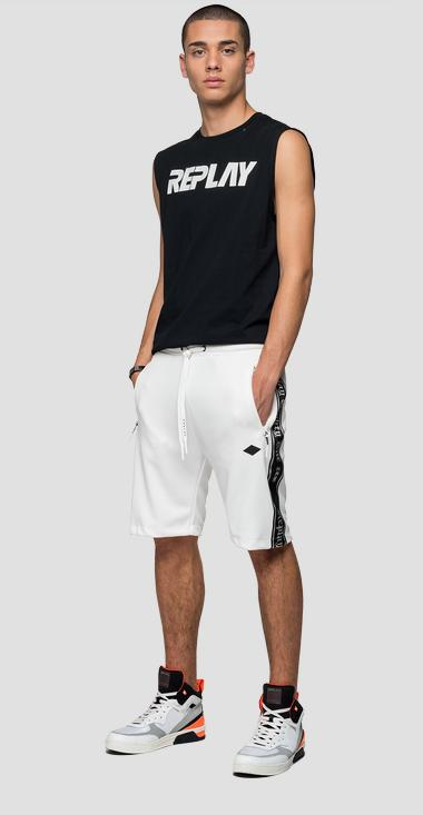 REPLAY bermuda shorts in tech fleece - Replay M9708_000_22610_801_1