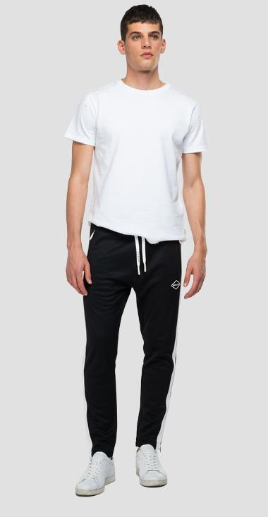 Slim fit jogger pants with pockets - Replay M9743B_000_22610_098_1