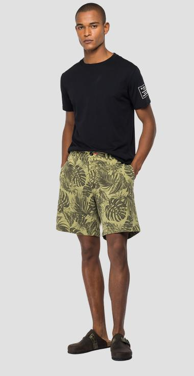 Cotton bermuda shorts with foliage print - Replay M9755_000_72314_010_1