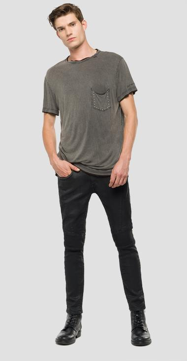 4d76590a6c1 We Are Replay T-shirt with chest pocket - We are Replay  VU7963 000 V22506 391 1 VU7963 000 V22506 391 2 VU7963 000 V22506 391 3  VU7963 000 V22506 391 5 ...