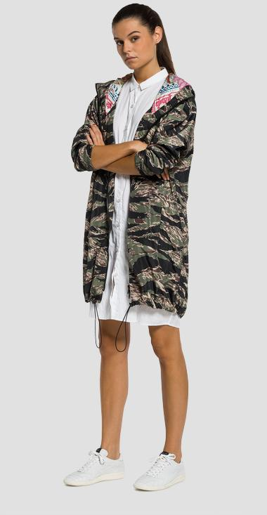 Long camouflage-print jacket - Replay W7315A_000_71220_010_1