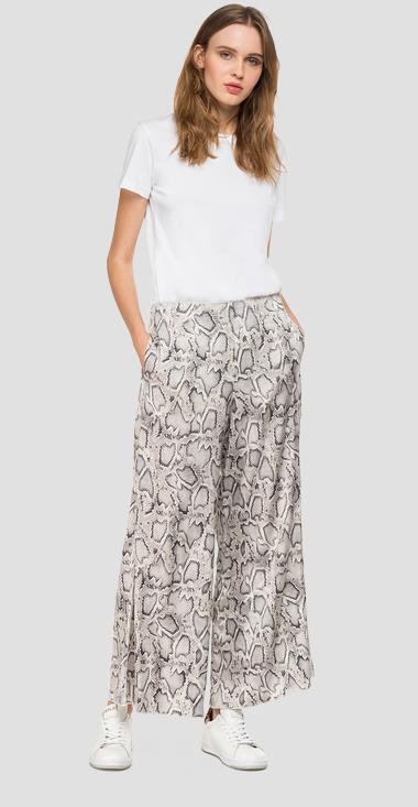 Palazzo pants with python print - Replay W8880_000_71928_010_1