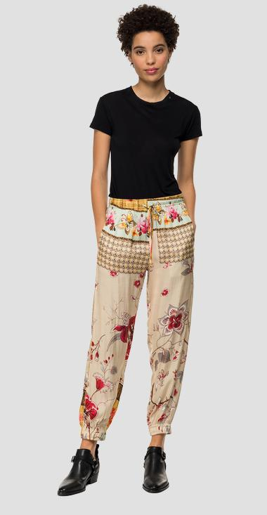Floral trousers with satin effect - Replay W8882_000_71956_010_1