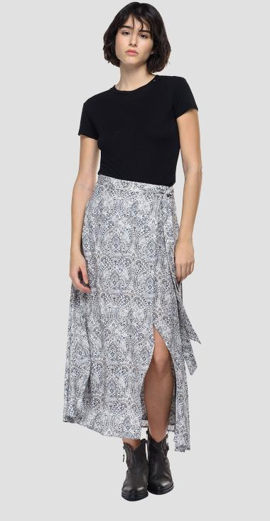 Viscose skirt with all-over print - Replay W9823A_000_73502_010_1