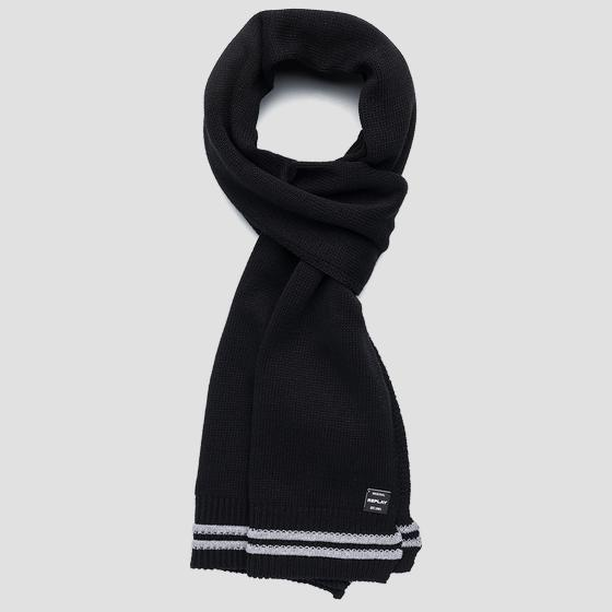 Scarf with striped edge am9221.000.a7059