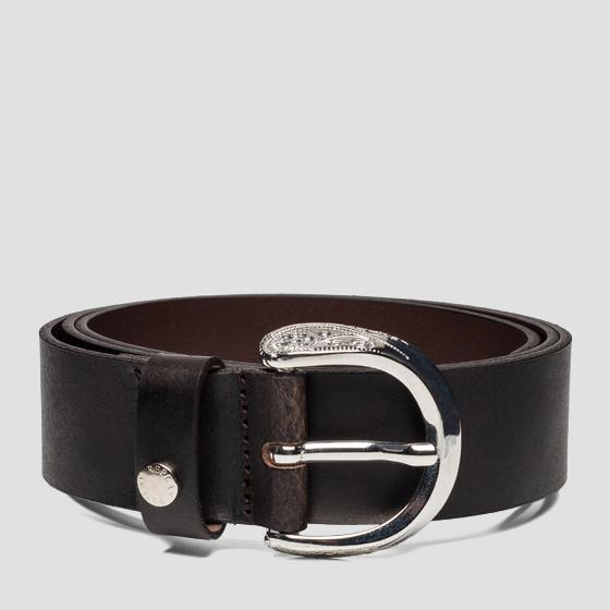 Leather belt with engraved buckle aw2441.001.a3001