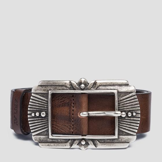 Leather belt with engraved buckle aw2529.000.a3007