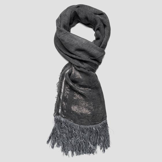 Scarf with metallic thread aw9233.000.a0069a