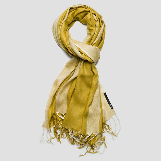 Fringed satin scarf aw9263.000.a0070m