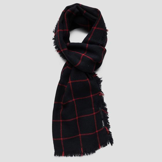 Scarf with checked print ax9217.000.a0400