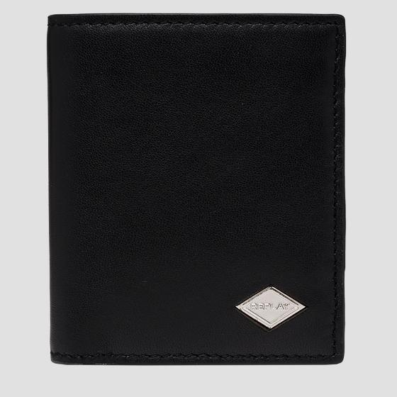 Smooth leather wallet with button fm5244.000.a3063