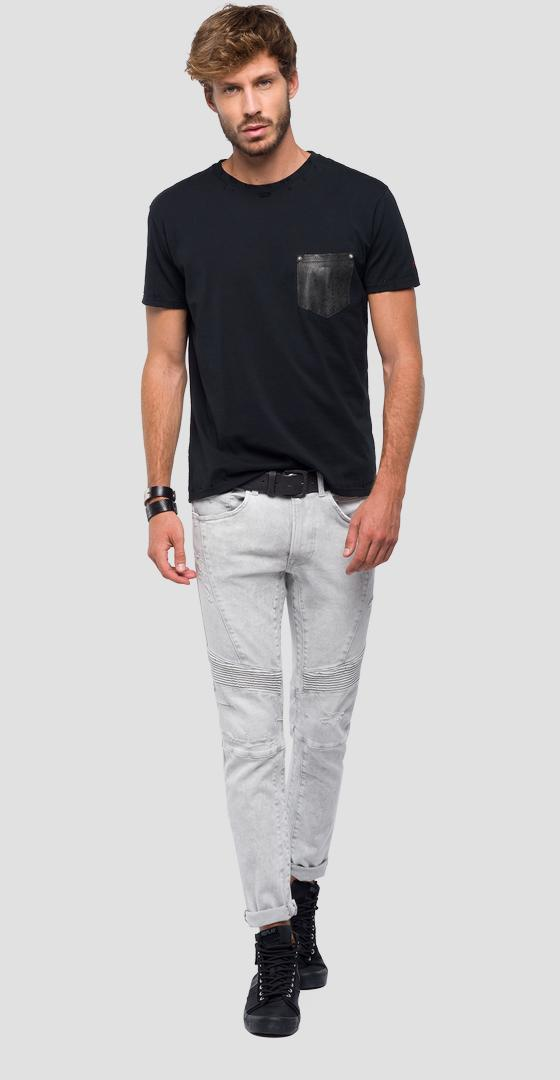 T-shirt with contrasting pocket m3771 .000.22038