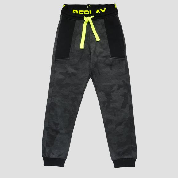 Sporty camouflage trousers- REPLAY&SONS SB9398_050_22072KL_010_1