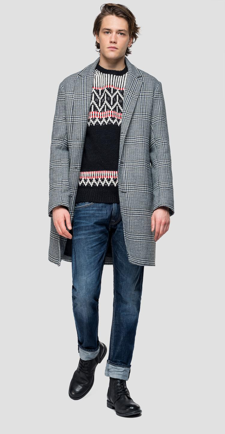 Classic coat with checked pattern m8040 .000.52218