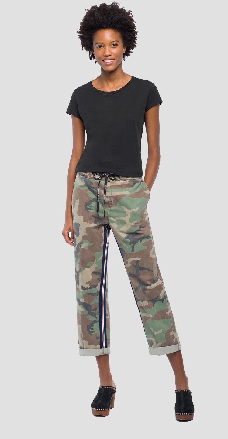 Chino trousers with camouflage print w8812 .000.71638